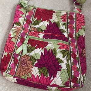 Like New Vera Bradley hipster crossbody!