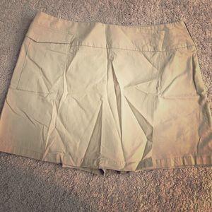 Dockers Pants - Dockers size 14 khaki skort