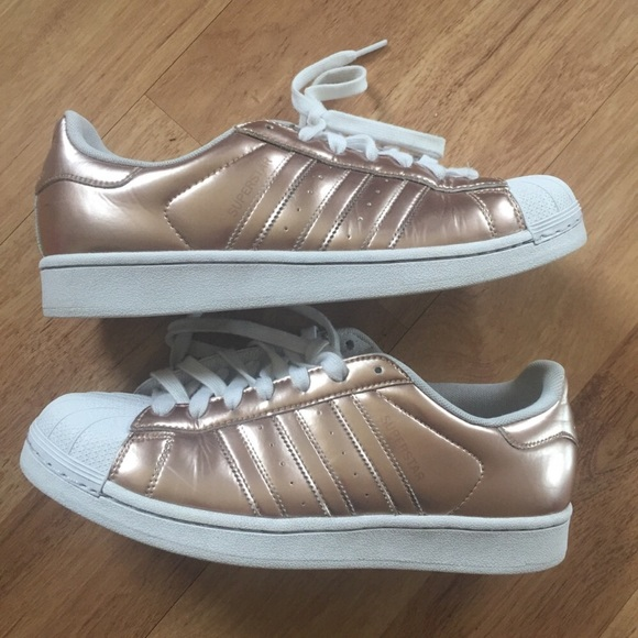 adidas superstars in metallic rose gold