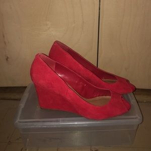 Steve Madden red peep toe wedge
