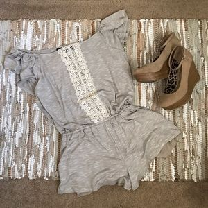 NWT Forever 21 Off Shoulder Romper Size small
