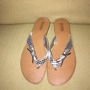 Adorable Guess flip flops with bow! Never worn