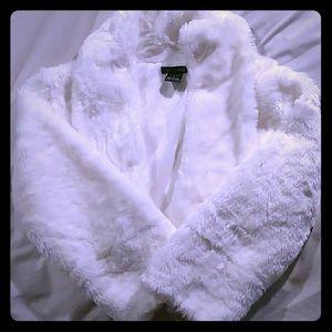 Faux fur white crop jacket