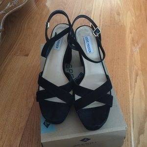 Steve Madden Shoes - Steve Madden black genuine suede sandals
