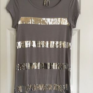 Kische Tops - Sequined t-shirt NWOT