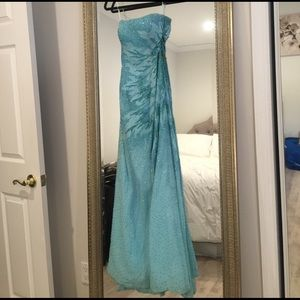 Alyce Paris Dresses & Skirts - Aqua blue strapless corseted prom dress.
