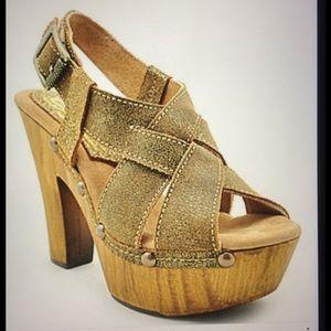 Sbicca Shoes - HOST PICK 3/22/17 Sbicca Mistify gold sandal❤️❤️❤️