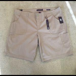Gloria Vanderbilt Pants - NWT Comfy Sexy Bermudas