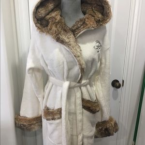 """pottery barn Other - New Pottery Barn Faux fur Robe, hoodie, med, """"B"""""""