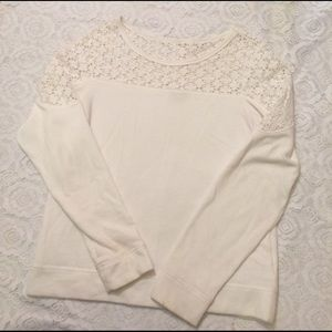 Girly White Express Pull-over
