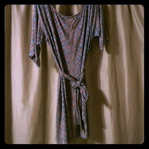 Leota Dresses & Skirts - LEOTA shift jersey dress with wrap
