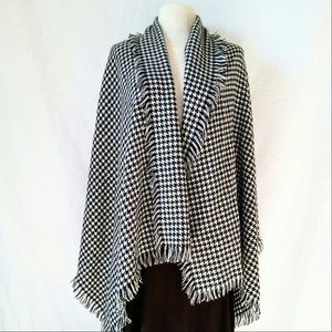 Harve Benard Accessories - HARVE Benard Houndstooth Shawl