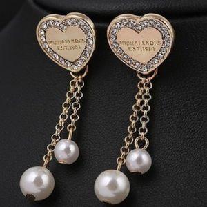 Michael Kors Jewelry - 💥Last Pair💥 Heart Gold & Pearl MK earrings NWT