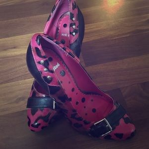 Not Rated Shoes - Hot pink and black leopard pumps