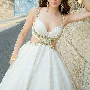 Alyce Paris Dresses & Skirts - Alyce Paris STUNNING Prom/Wedding/Pageant Dress