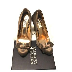 Badgley Mischka Shoes - Authentic Badgley Mischka Pumps