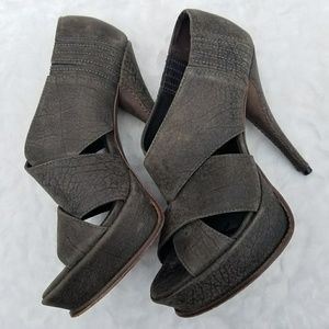 Elizabeth and James E-Milla Textured Leather Heels