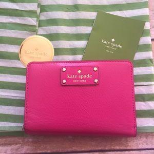 kate spade Handbags - ♠️Kate Spade Wellesley Tellie Leather Wallet