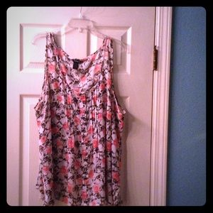 Tank blouse w/ black skulls & pink roses