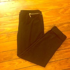 Zara Black Cuffed Gold Zippered Capri Pants Size 8