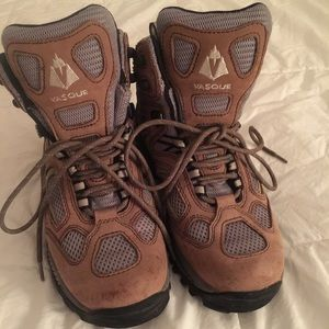 Vasque Shoes - Vasque Leather Hiking Boots