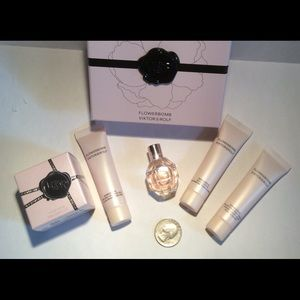 Viktor & Rolf Other - Viktor & Rolf Mini Flowerbomb & Bomblicious Set!