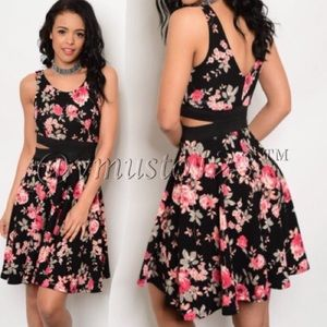 ‼️2 LEFT! GORGEOUS FLORAL SKATER DRESS