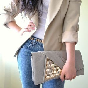 Piperlime Bags - Gray clutch with gold ✨