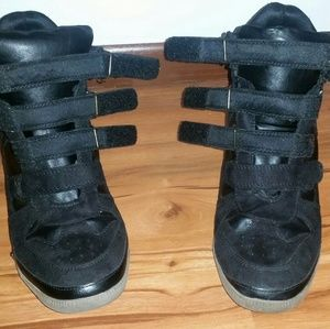 Airwalk Shoes - Black velcro strap covered wedge high top