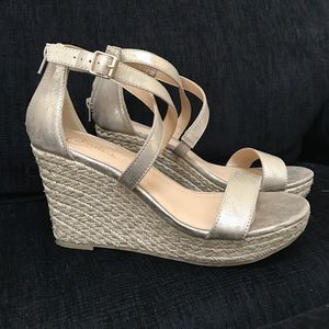 Candie's Shoes - Gold Platform Wedge