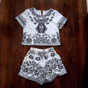melle fasion Other - Cropped short sleeve shirt and short set