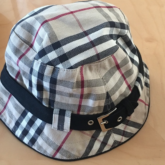 Burberry Accessories - Authentic Burberry Bucket Hat 🎩 a8013a4e63