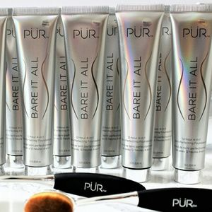 Pur Minerals Other - PUR (Porcelain) Bare it all 4 in 1 foundation