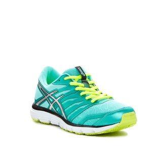 Asics Shoes - 1 HOUR PRICE DROP Asics Zaraca athletic shoe