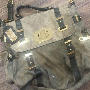 Badgley Mischka Handbags - NEW BADGLEY MISCHKA MESSENGER BAG⭐️⭐️⭐️⭐️⭐️