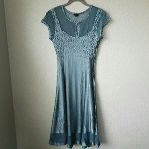 Komarov Dresses & Skirts - Komarov keyhole neck shirt sleeve dress