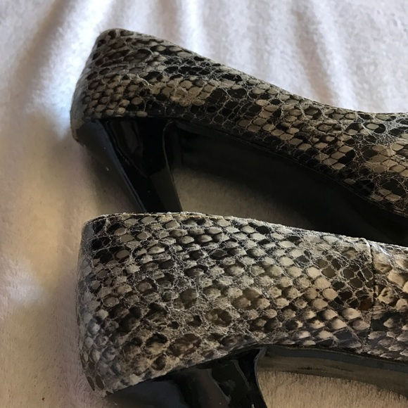 Moustakas Shoes - Snake print heels.