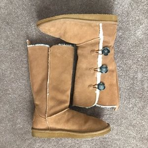 American Eagle Faux Leather/ Shearling Boots