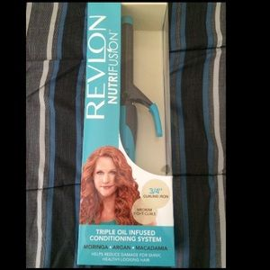 Revlon Accessories - Brand New!! Revlon nutrifusion curling iron!!