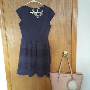 Lauren conrad Dresses & Skirts - Lauren Conrad size 4 dress