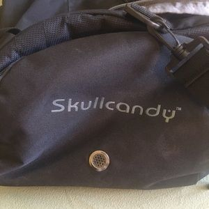 Skull Candy Other - 💐SPRING CLEANING SALE🌸 Skull Candy Duffel Bag