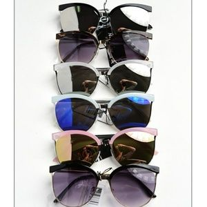 Accessories - top frame mirrored sunnies