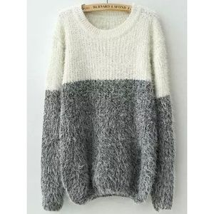 Sweaters - 🆕 White Gray Round Neck Shaggy Knit Sweater
