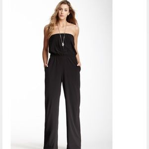 Strapless jumpsuit with pockets