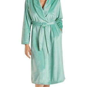Other - Cozy Fleece Wrap Robe new