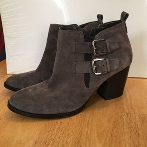 Ivanka Trump Shoes - Ivanka Trump ankle booties