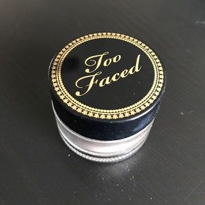 Too Faced Glamour Dust in Nude Beam