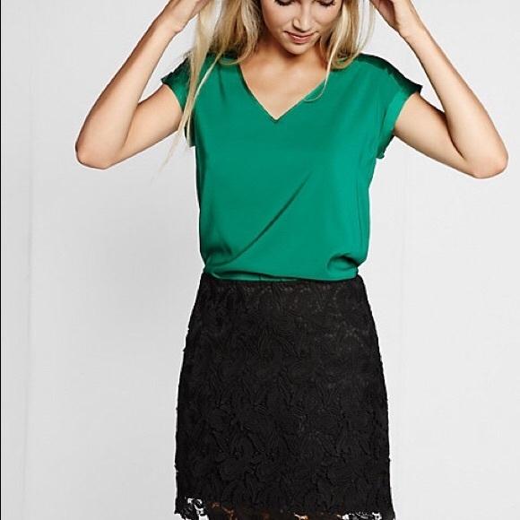 aeb3f1714957c Express Tops - 💚 Emerald green satin blouse 💚
