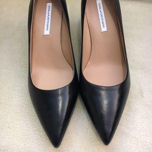 Diane von Furstenberg Shoes - [DVF] Pointed Toe Pump