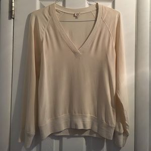wilfred Tops - Wilfred xsmall ivory 100% silk vneck top